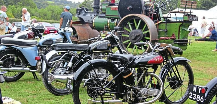 Steve Elston's lovely ohv OEC-Blackburne. Behind is the Aveling & Porter Road Roller Sammy Lou which dates to the same year as the OEC, 1925.