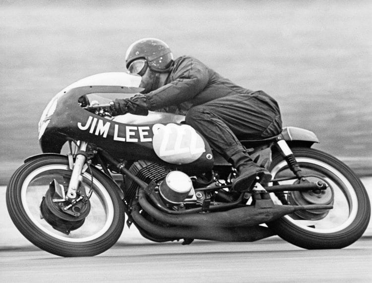 Mick Grant on the Jim Lee Yamaha