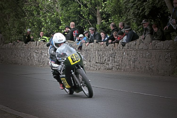 Irish 500cc Classic Champion Ed Manly.