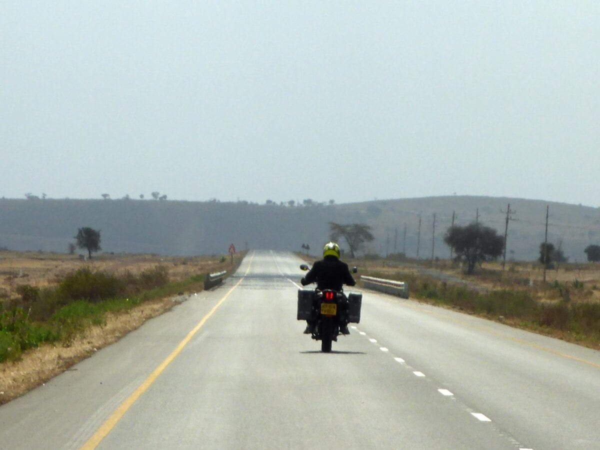 082_GlobeBusters-Africa-openroad
