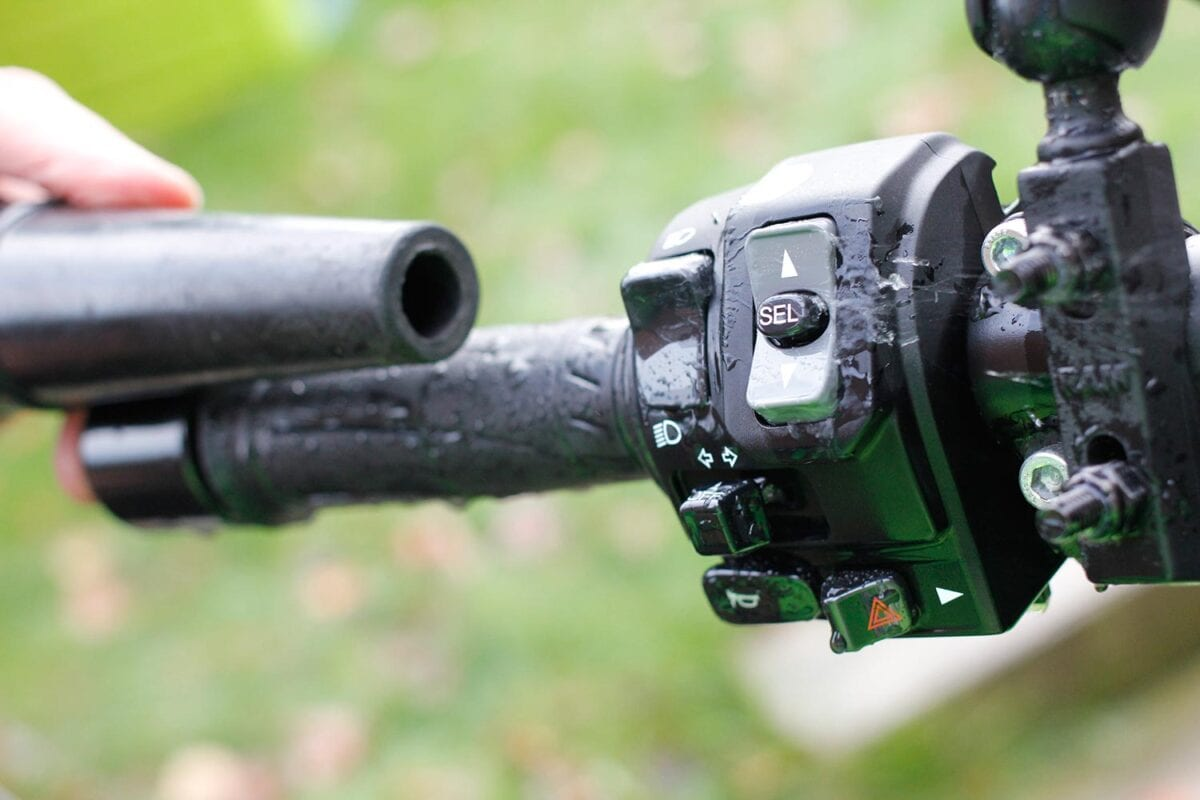 106_All-Year-Biker006