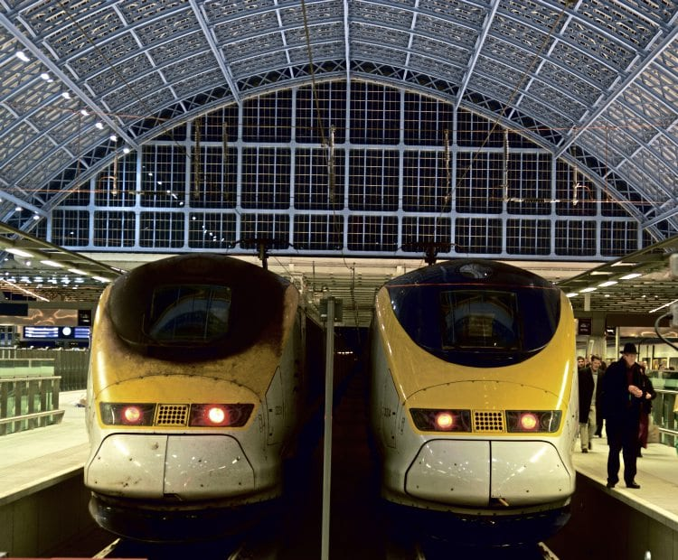 Set Nos. 3231/2 (left) and 3004/3 (right) at St Pancras International buffer stops on November 14, 2007, the day the second section of HS1 opened. CHRIS MILNER