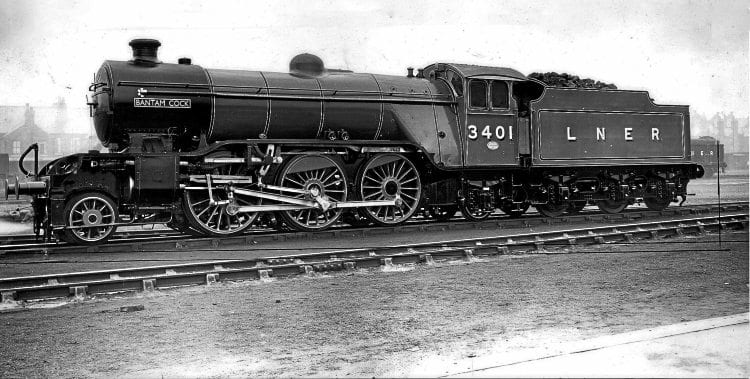 'V4' No. 3401 Bantam Cock in ex-works condition in 1941 at an unrecorded location, but likely to be Doncaster works. This will be the subject of the A1 Trust's next new-build. RM COLLECTION