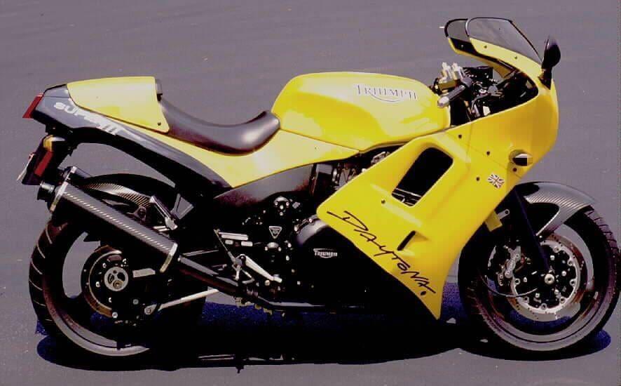 Triumph Daytona cafe racer3