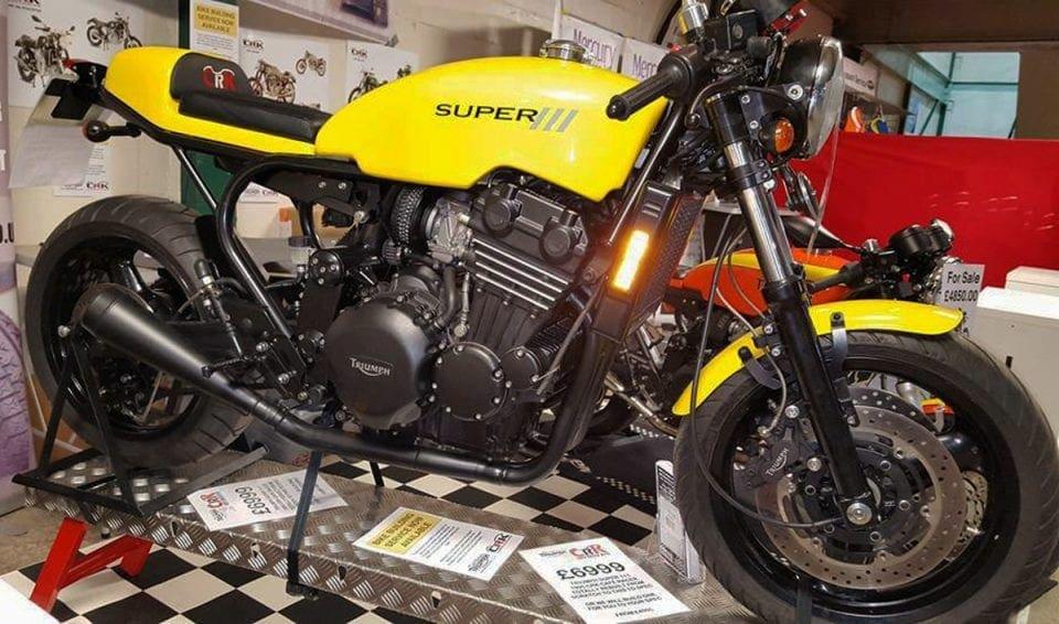 Triumph Daytona cafe racer2