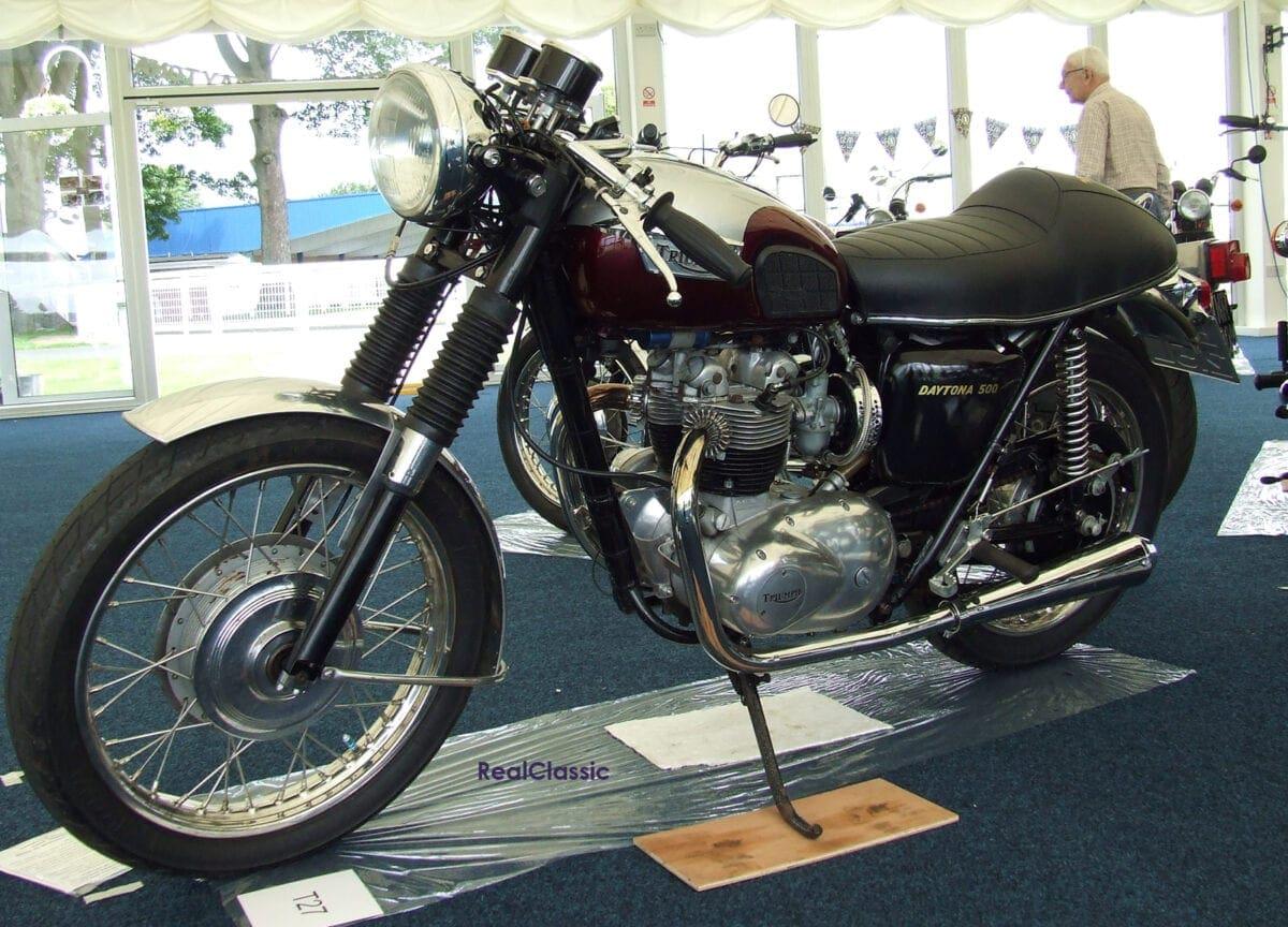 Triumph Daytona T100r Real Classic