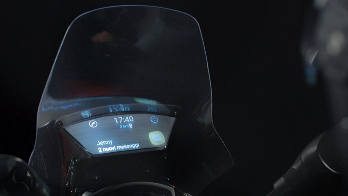006_N+P-NEWS-Smart windshield-LO RES