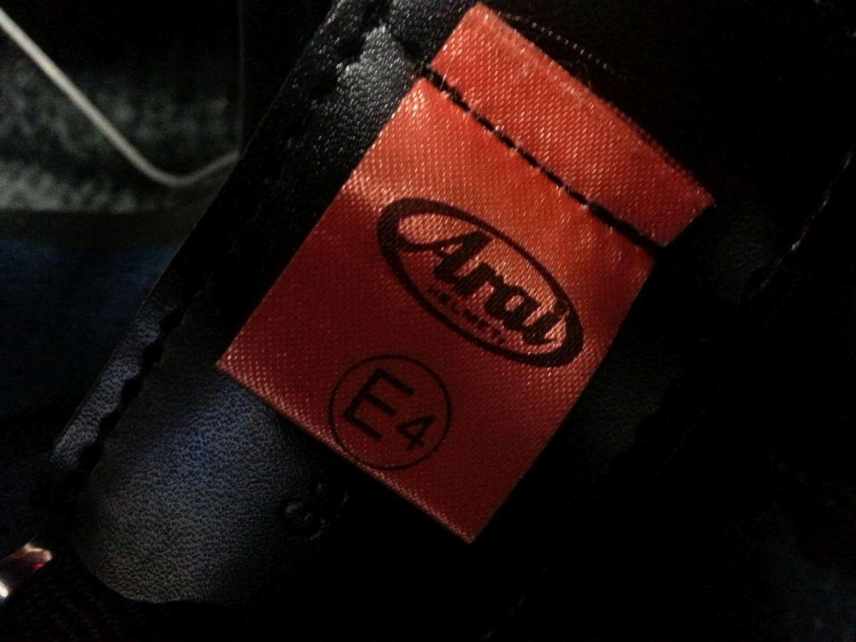 Label-in-helmet